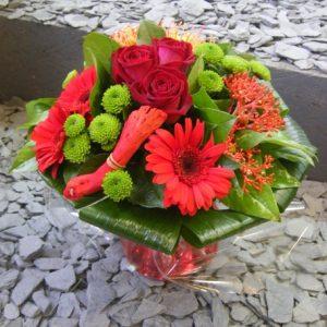 bouquet-rond-rouge-bois-flotte