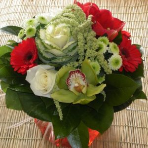 bouquet-rond-rouge-orchidee