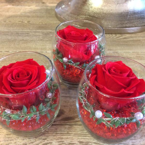 rose eternelle rouge moyen bouton